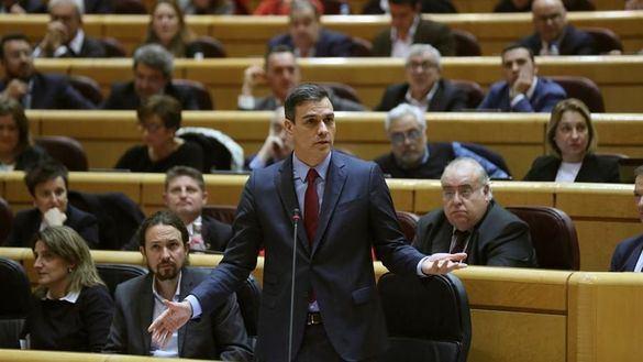 Monumental bronca en el Senado por las evasivas de Sánchez a explicar el 'Delcygate'