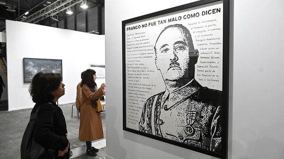 Una obra que 'ensalza' los méritos de Franco, la polémica de ARCO