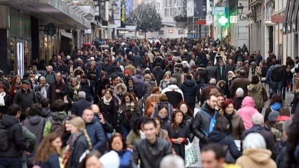 El PSOE aumenta su ventaja y saca diez puntos al PP según el CIS