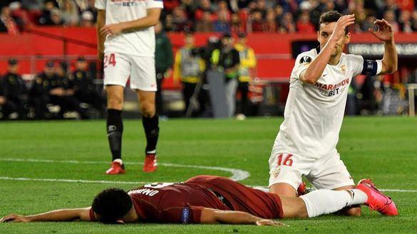 Liga Europa. El Sevilla pasa pero el Pizjuán despide con sonora pitada al equipo |0-0