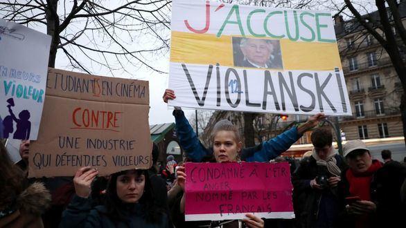 Protestas en Francia de asociaciones feministas contra Roman Polanski