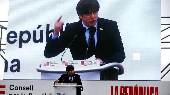 Puigdemont exhorta al independentismo a prepararse para
