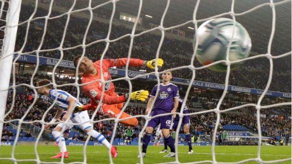La Real sufre para ganar al Valladolid y piensa ya en la semifinal de Copa | 1-0