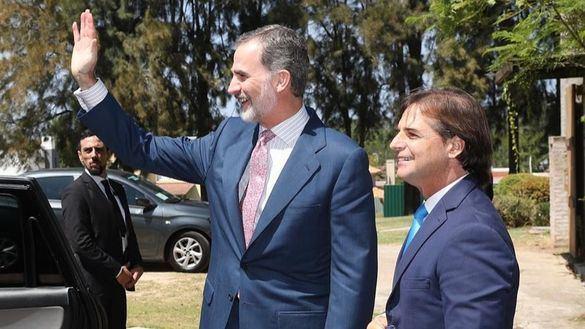 Felipe VI y Lacalle Pou apuestan por el diálogo para solucionar el conflicto de Venezuela