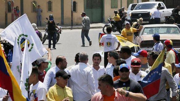 Disparan contra una manifestación liderada por Juan Guaidó en el oeste de Venezuela