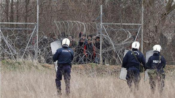Muere un migrante por disparos desde Grecia