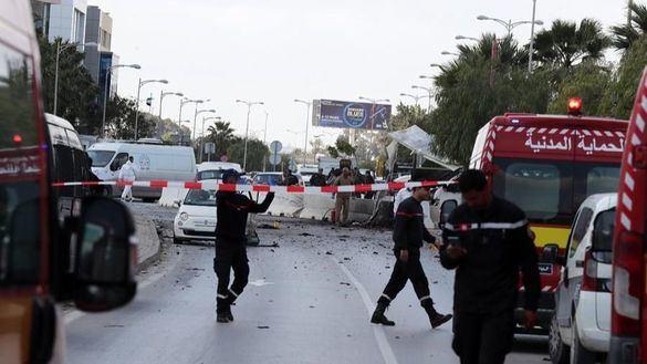 Túnez, en alerta máxima tras un atentado junto a la embajada de EEUU