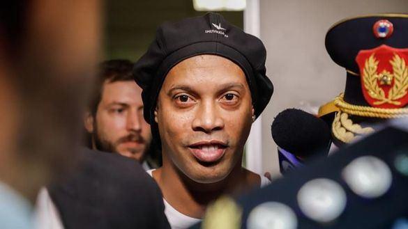 Ronaldinho y los pasaportes falsos: el astro ahonda en su caída a los infiernos