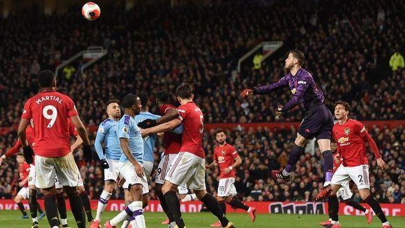 Ligas europeas. El City de Guardiola pierde el derbi de Mánchester con sonrojo incluido