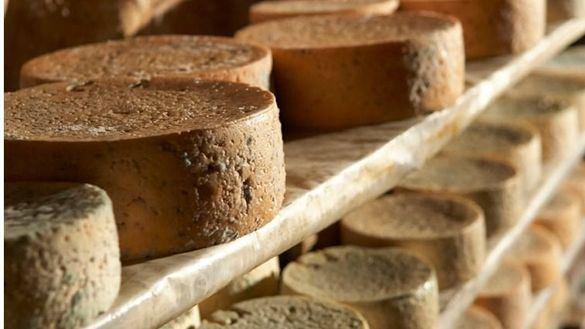 Ni francés ni holandés: el queso más caro del mundo es español