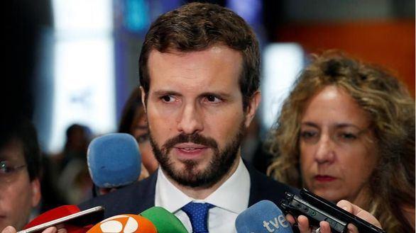 Casado endurece su discurso y pide a Sánchez medidas de choque