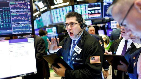 Wall Street se hunde y el Dow Jones cae 7,79 % por el pánico al coronavirus