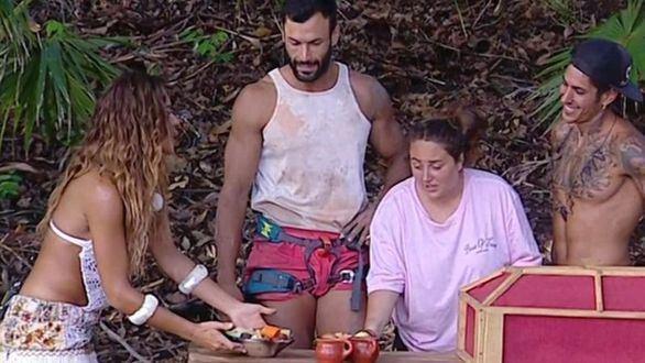 Rocío Flores y Jorge Pérez ganan poder disfrutar de un cocido en 'Supervivientes'.