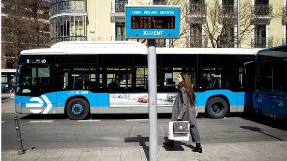 Madrid aconseja a personas mayores y enfermas que eviten el transporte público