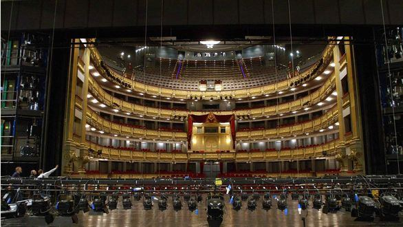 El Teatro Real estrenará la ópera Aquiles en Esciros sin público