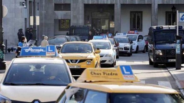 La DGT suspende los exámenes de conducir en Madrid, La Rioja y Álava