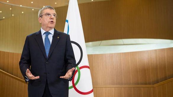 El presidente del COI se dirige a los atletas en plena incertidumbre