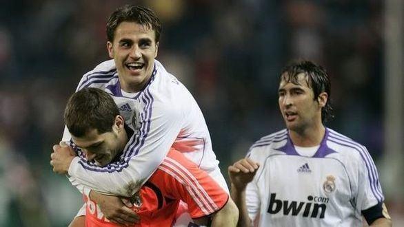 Cannavaro le explica a Íker Casillas cómo han domado al coronavirus en China