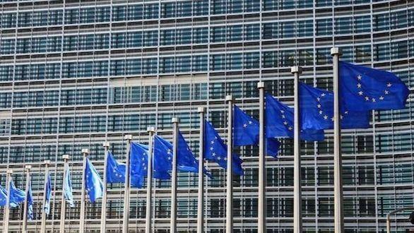 La UE activa la cláusula que permite a los países saltarse el objetivo de déficit