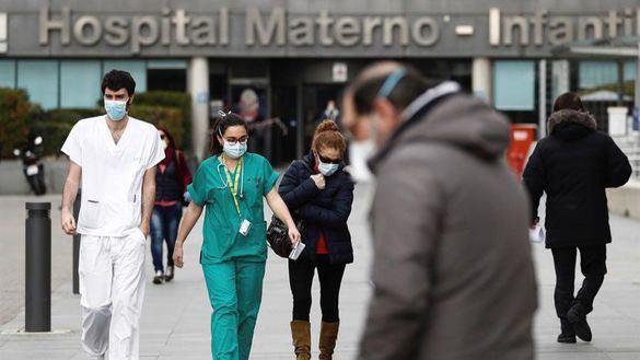 Ayuso traslada a Sanidad una orden judicial para proveer de material a los hospitales madrileños