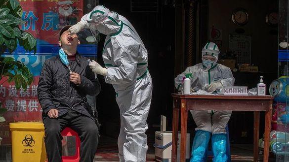 Estados Unidos acusa a China de engañar con sus cifras de contagiados y muertos