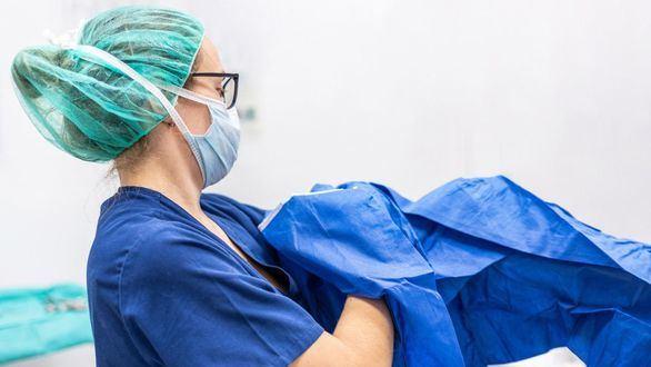 Las profesiones sanitarias muestran su 'absoluto rechazo' al nuevo protocolo de actuación aprobado por Sanidad