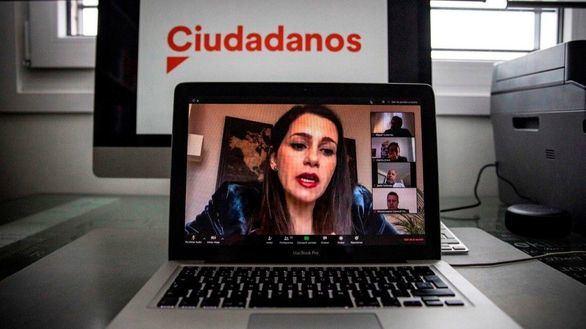 Arrimadas pide a Sánchez que lleve al Congreso su borrador del