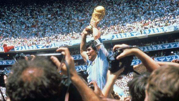 Maradona se confiesa sobre 'La mano de Dios': 'Cállate la boca, boludo, y abrázame'