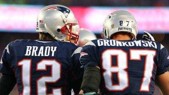 NFL. Dos astros en el exilio: Gronkowski explica por qué se une a Brady en Tampa