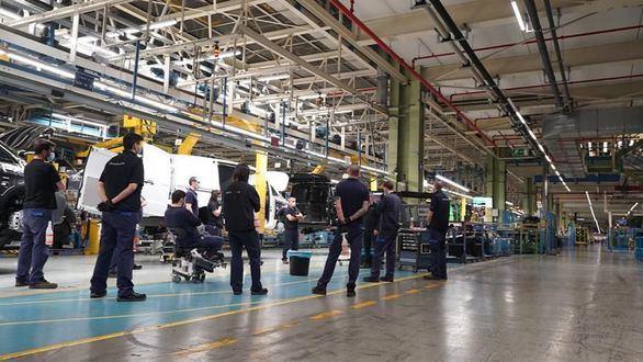 La industria automovilística retoma su actividad en España