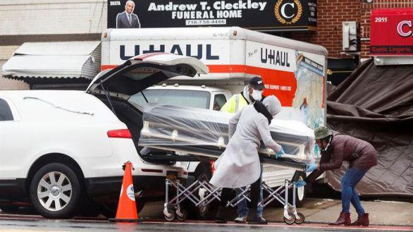 Hallan camiones llenos de muertos por coronavirus en Nueva York