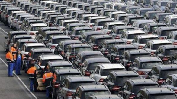 La matriculación de coches se desplomó el 96,5 % en abril