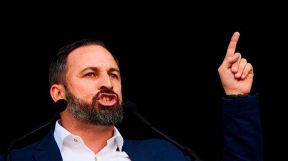 Vox propone eliminar 3 vicepresidencias y 10 ministerios