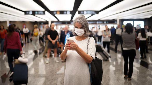 Piden test rápidos en los aeropuertos para evitar el desplome del turismo