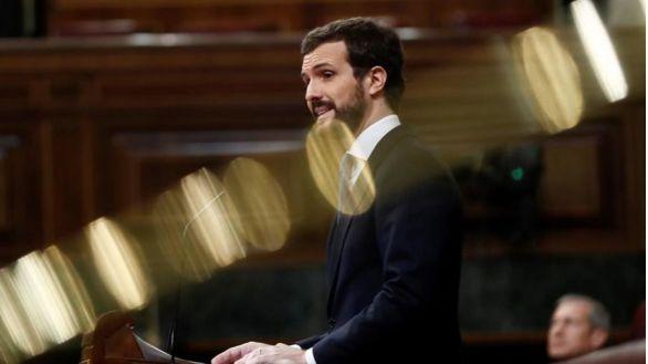 Sondeo: el PP recorta distancias con el PSOE y Vox supera a Podemos