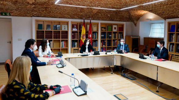 Ayuso analiza con la Federación Madrileña de Municipios la recuperación tras el Covid-19