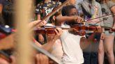 """Proyecto 4cordes. UBUNTÚ, Yo soy porque nosotros somos, de Musicop SCCL (Mataró), seleccionado en la convocatoria 2018 del programa Art for Change """"la Caixa"""", en la disciplina de Música."""