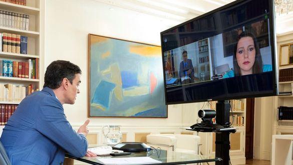 Sánchez cumple el acuerdo pactado con Arrimadas y hablan un rato por teléfono