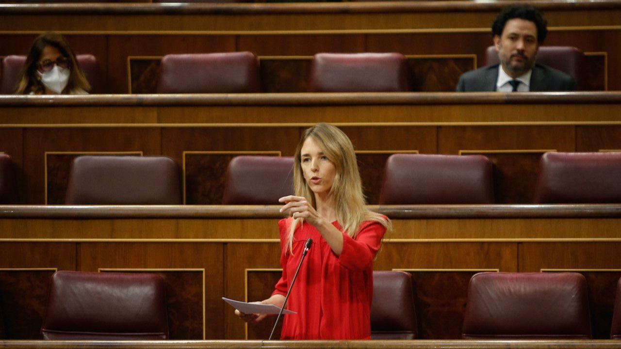 Álvarez de Toledo pide a Calvo que dimita: 'Su negligencia se cuenta en millones de vidas rotas'