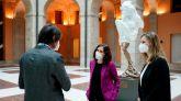 El escultor Víctor Ochoa dona a la Comunidad de Madrid su obra Héroes del COVID-19