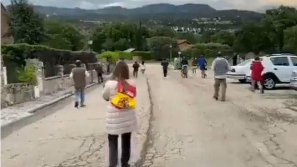 La 'cacerolada' contra el Gobierno llega al chalet de Galapagar de Pablo Iglesias e Irene Montero