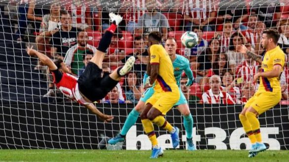 Aduriz, leyenda del Athletic, anuncia su retirada de forma inesperada
