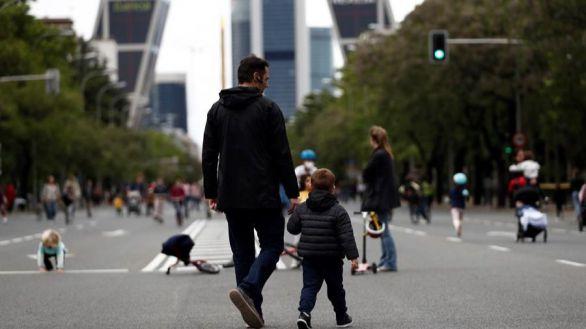 Novedades de la desescalada: los niños podrán pasear con ambos progenitores