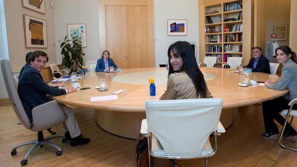 Almeida une a todos los grupos municipales para la reconstrucción de Madrid