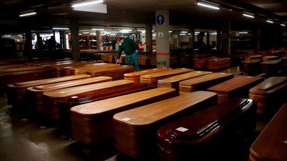 España superaría las 43.000 muertes por covid-19, según el Registro Civil