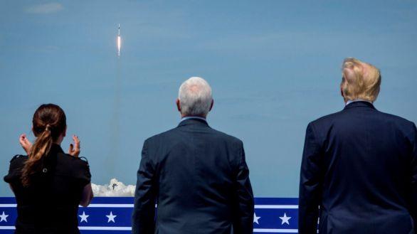 SpaceX hace historia al lanzar su primera nave tripulada a la Estación Espacial