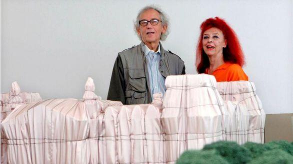 Fallece Christo, el artista que envolvió el Reichstag y el Pont-Neuf