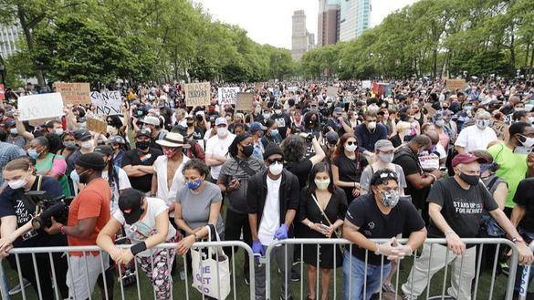 El discurso de Trump pierde fuelle: las protestas antirracistas se vuelven masivas y pacíficas