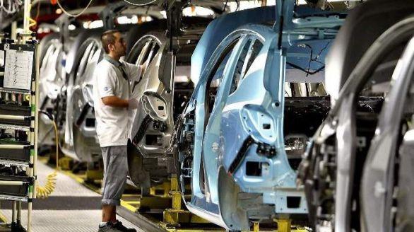 La producción industrial sufre en abril la mayor caída de la serie histórica