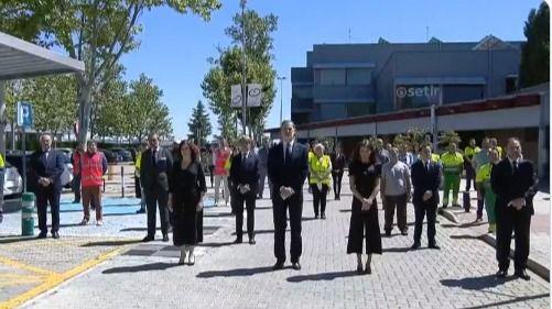 Los Reyes guardan un minuto de silencio en el último día de luto oficial